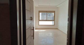 studio neuf à louer vide quartier les hôpitaux 52m²